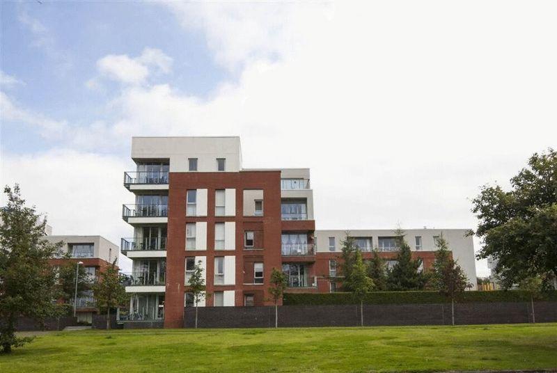 2 Bedrooms Property for sale in The Keel Building, Annadale Crescent, Belfast