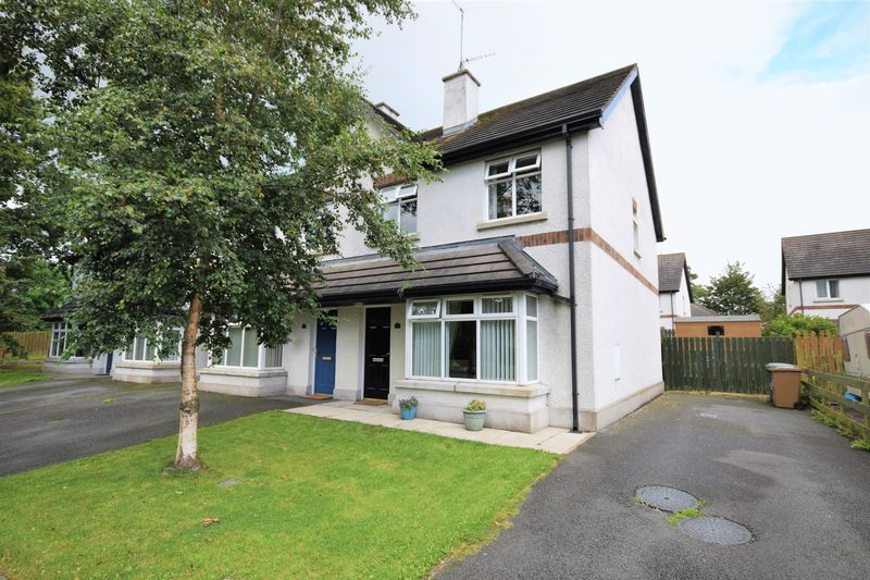 3 Bedrooms Property for sale in Bluestone Hall, Craigavon