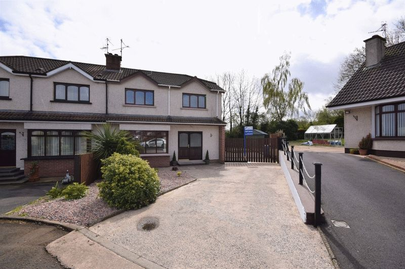 3 Bedrooms Property for sale in Cluntoe View, Dungannon