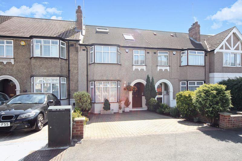 4 Bedrooms Property for sale in Elton Avenue, Greenford