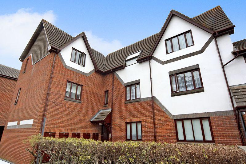 1 Bedroom Property for sale in Allington Close, Greenford