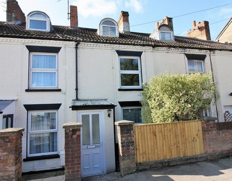 3 Bedrooms Property for sale in Wilton Road, Salisbury