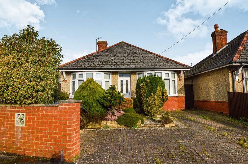 2 Bedrooms Property for sale in Queen Mary Road, Salisbury
