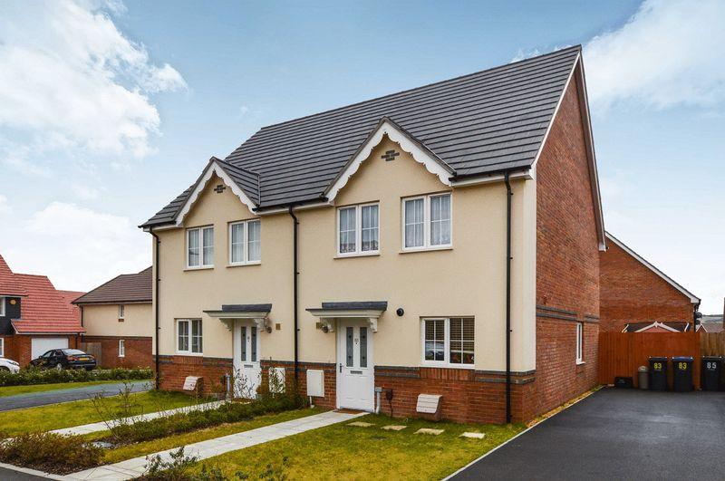 3 Bedrooms Property for sale in Burden Drive, Salisbury