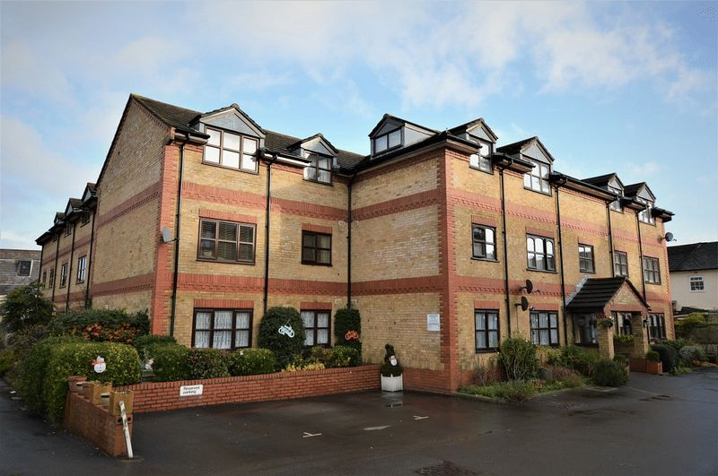 1 Bedroom Property for sale in Spring Court, Windsor Road, Salisbury
