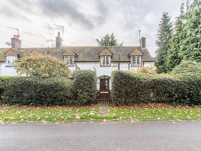 2 Bedrooms Property for sale in Brake Lane, Hagley