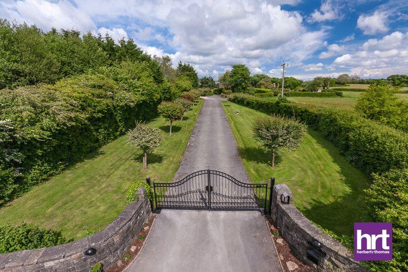 Gelliwen Farm, Old Pendoylan Road, Pontyclun