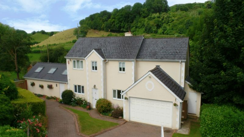 5 Bedrooms Property for sale in Meadowgate, Llancarfan, Vale of Glamorgan