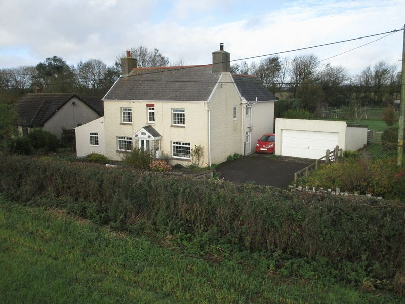 4 Bedrooms Property for sale in Pensarn Farmhouse, Llanmaes, Vale of Glamorgan