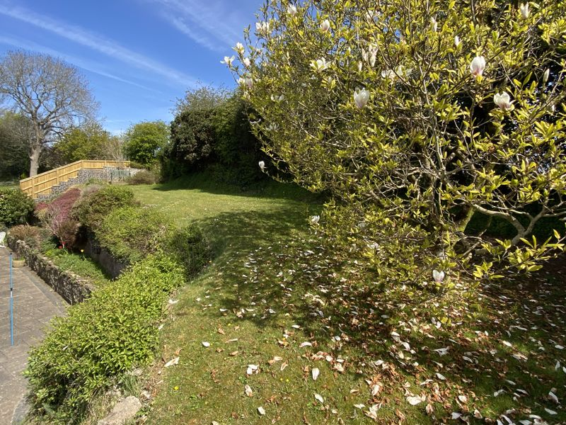 8 The Paddock, Aberthin Road, Cowbridge, The Vale of Glamorgan CF71 7EJ