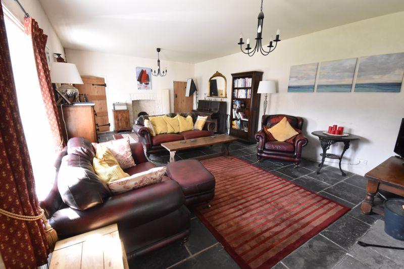 Cross House, Sigingstone, The Vale of Glamorgan CF71 7LP