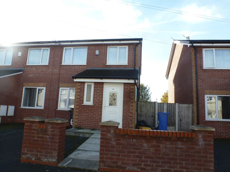 Property for sale in Quernmore Road, Kirkby, Liverpool, L33 6UY
