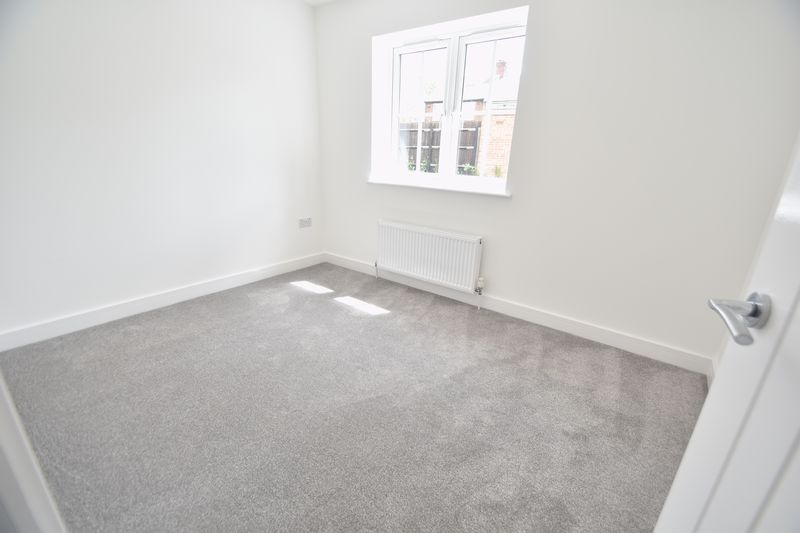 3 bedroom Detached  to rent in Colin Road, Luton - Photo 14