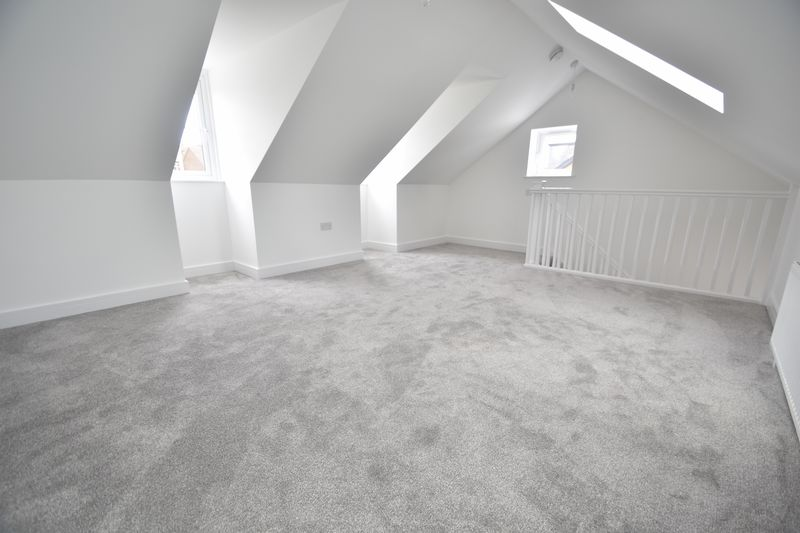 3 bedroom Detached  to rent in Colin Road, Luton - Photo 15