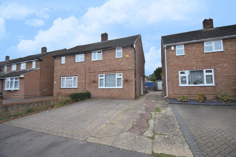 2 bedroom Semi-Detached  to rent in Chesford Road, Luton