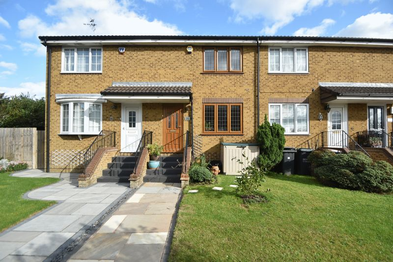 2 bedroom Mid Terrace to buy in Whitwell Close, Luton - Photo 17