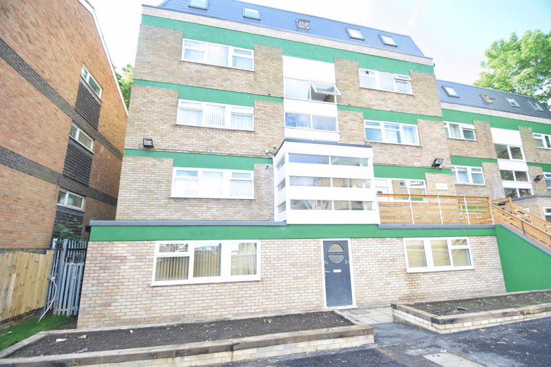 2 bedroom Flat to rent in Brook Street, Luton