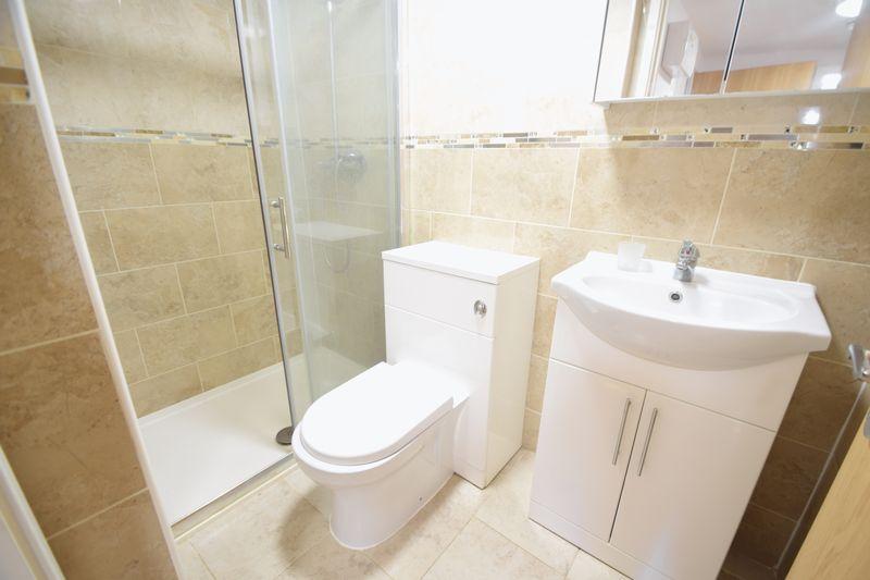 2 bedroom Flat to rent in Brook Street, Luton - Photo 6