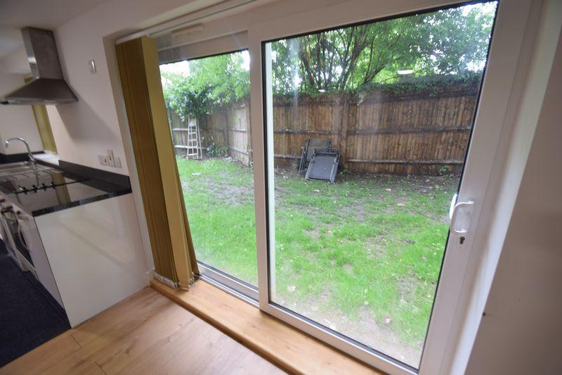 2 bedroom Flat to rent in Brook Street, Luton - Photo 10