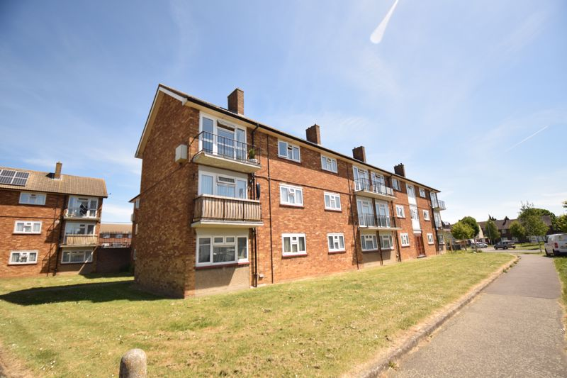 1 bedroom Flat to rent in Whipperley Ring, Luton - Photo 1