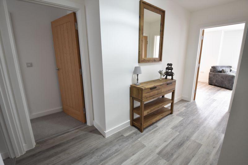 2 bedroom Flat to rent in Ridgway Road, Luton - Photo 13