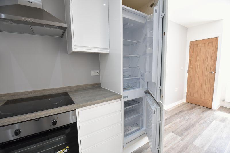 2 bedroom Flat to rent in Ridgway Road, Luton - Photo 11