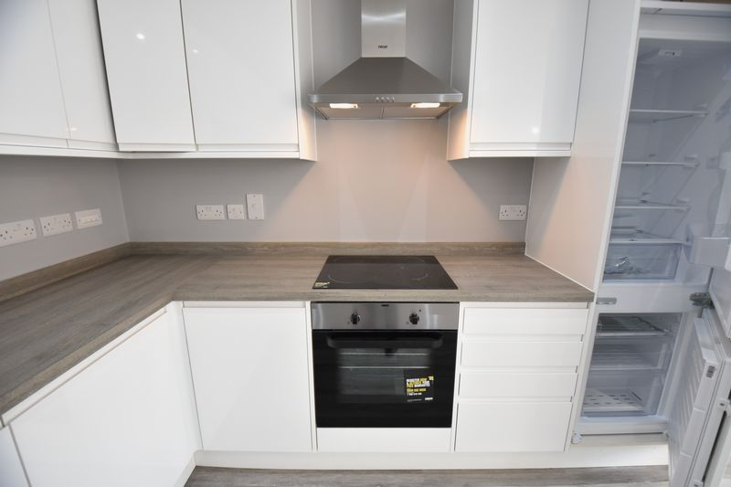 2 bedroom Flat to rent in Ridgway Road, Luton - Photo 12
