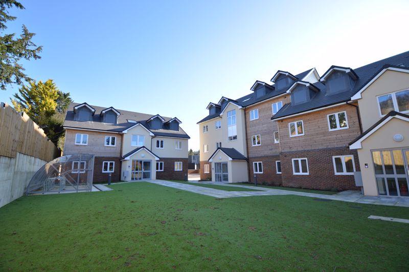 2 bedroom Flat to rent in Ridgway Road, Luton - Photo 17