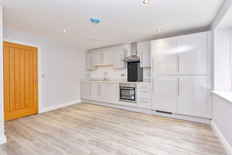 1 bedroom  to buy in 48 Crawley Green Road, Luton - Photo 1