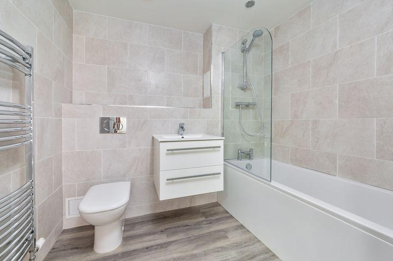 1 bedroom  to buy in 48 Crawley Green Road, Luton - Photo 3