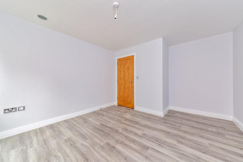 1 bedroom  to buy in 48 Crawley Green Road, Luton - Photo 5