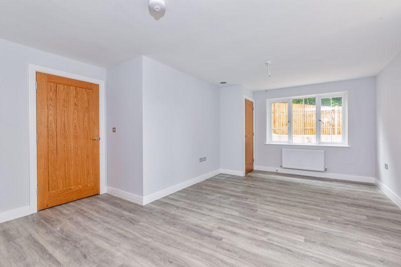 1 bedroom  to buy in 48 Crawley Green Road, Luton - Photo 6