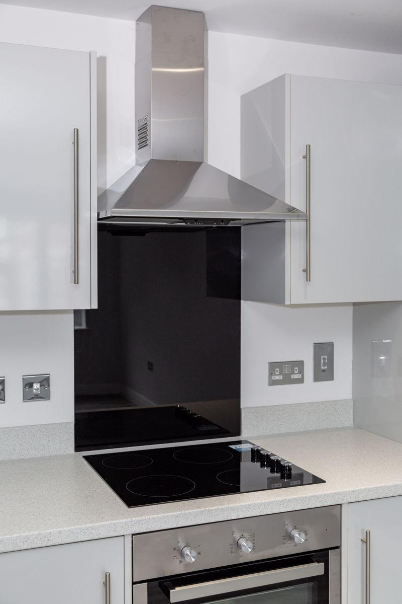 1 bedroom  to buy in 48 Crawley Green Road, Luton - Photo 8