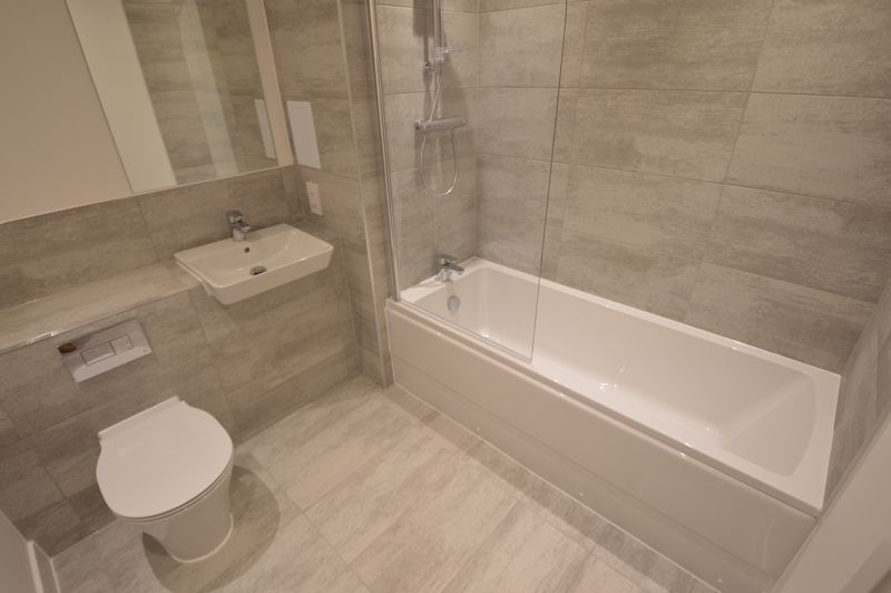 2 bedroom Flat to buy in Kimpton Road, Luton - Photo 1