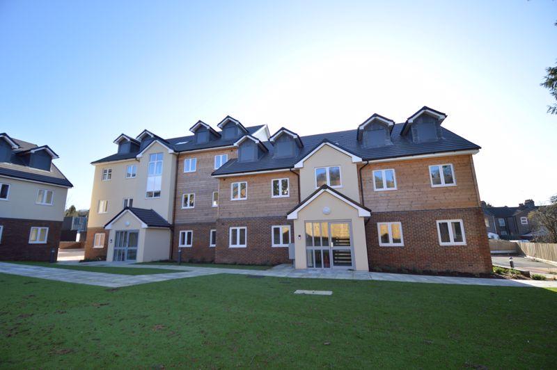 2 bedroom Apartment / Studio to buy in Ridgway Road, Luton