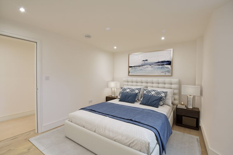 1 bedroom  to buy in Midland Apartments, 142 Midland Road,, Luton - Photo 5