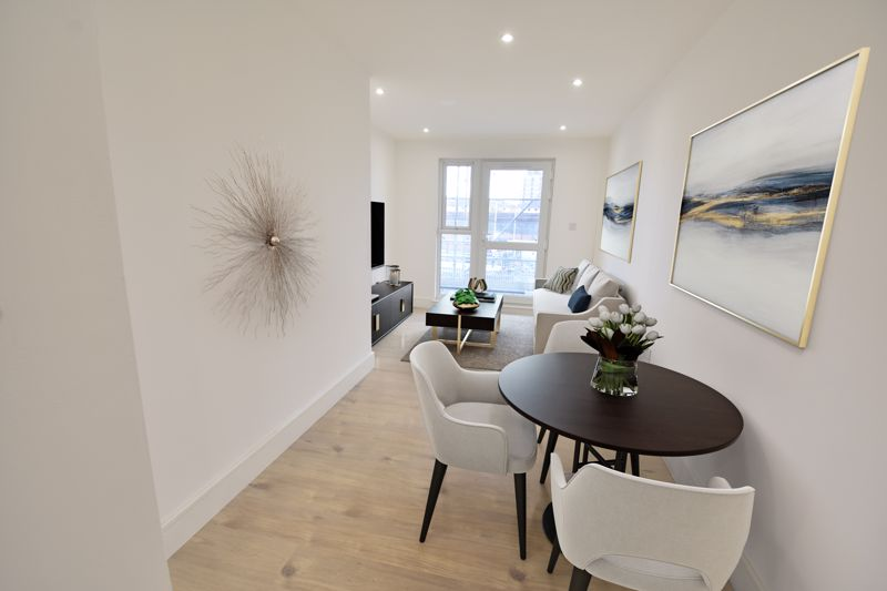 1 bedroom  to buy in Midland Road, Luton - Photo 6