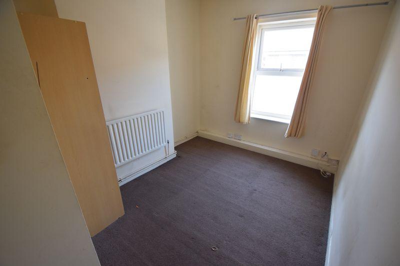 2 bedroom Flat to buy in Albert Road, Luton - Photo 2