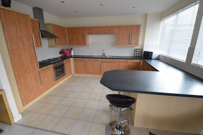 3 bedroom Apartment / Studio to rent in Midland Road, Luton - Photo 29