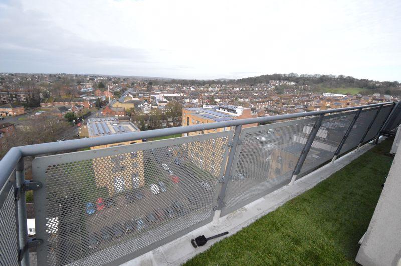 3 bedroom Apartment / Studio to rent in Midland Road, Luton - Photo 32