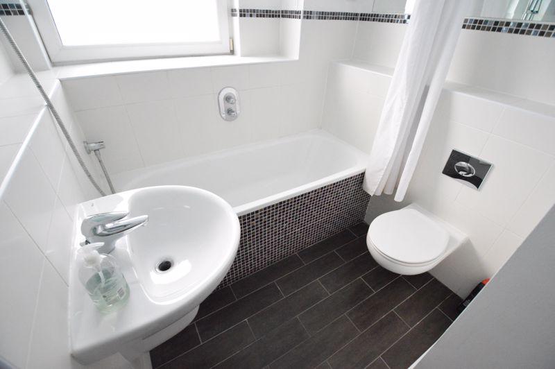 3 bedroom Apartment / Studio to rent in Midland Road, Luton - Photo 39