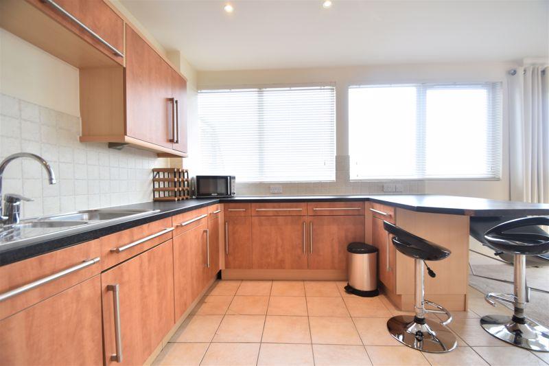 3 bedroom Apartment / Studio to rent in Midland Road, Luton - Photo 15