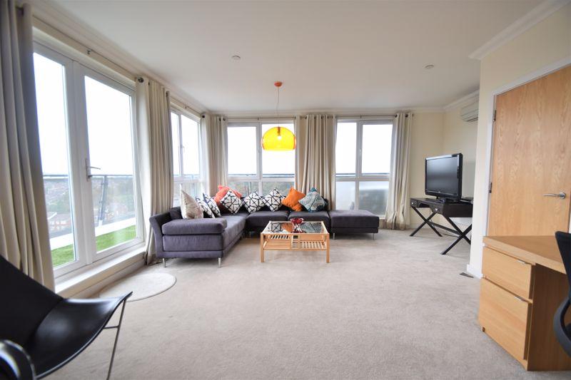 3 bedroom Apartment / Studio to rent in Midland Road, Luton - Photo 17