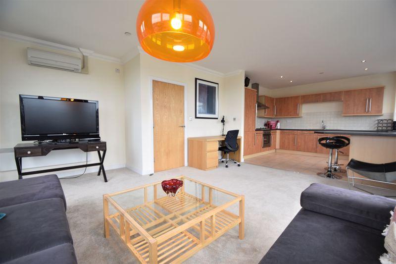 3 bedroom Apartment / Studio to rent in Midland Road, Luton - Photo 21