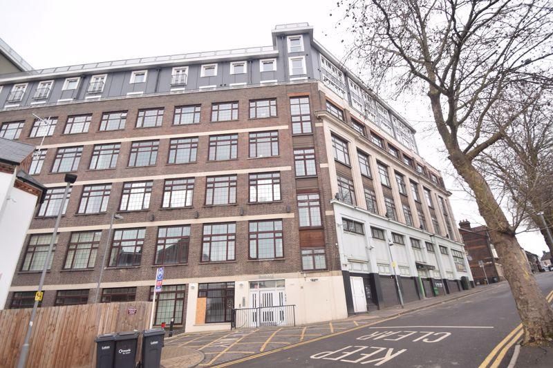 3 bedroom Apartment / Studio to rent in Midland Road, Luton - Photo 25