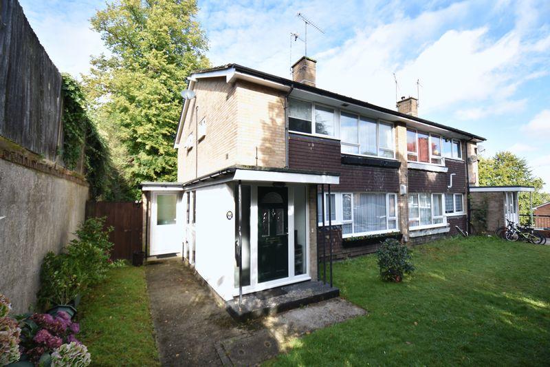 2 bedroom Maisonette to rent in Lawn Gardens, Luton