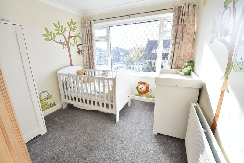 3 bedroom Semi-Detached  to rent in Forrest Crescent, Luton - Photo 8