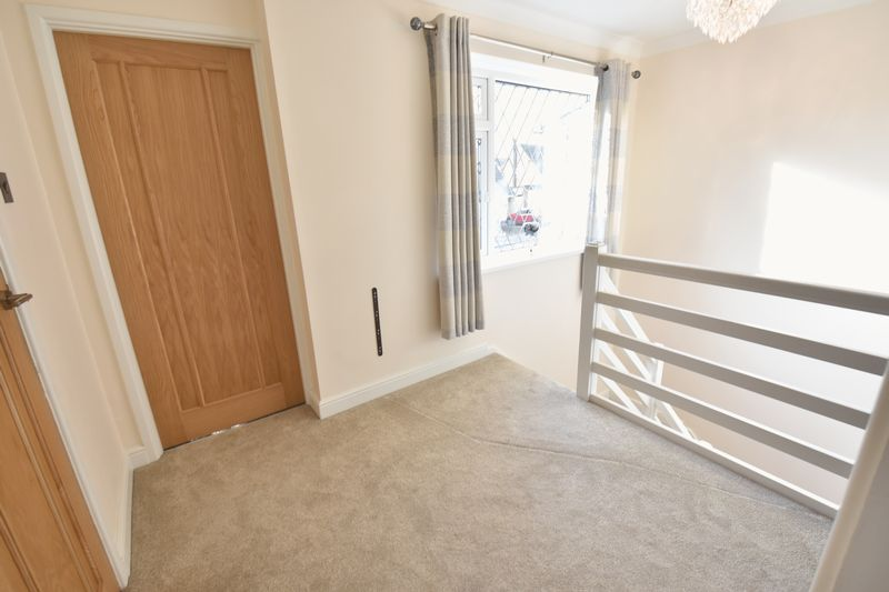 3 bedroom Semi-Detached  to rent in Forrest Crescent, Luton - Photo 10