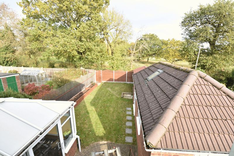 3 bedroom Semi-Detached  to rent in Forrest Crescent, Luton - Photo 13