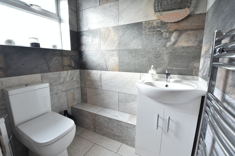 3 bedroom Semi-Detached  to rent in Forrest Crescent, Luton - Photo 17